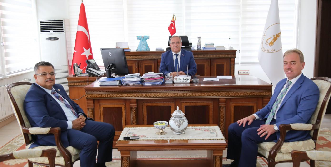 Rektörümüz Vali Ahmet Hamdi Nayir'e Nezaket Ziyaretinde Bulundu.