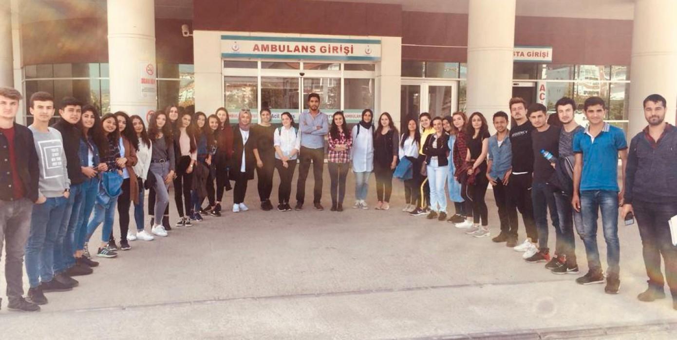 İlk ve Acil Yardım Programı Öğrencilerinin Hastanede Acil Sağlık Hizmetleri Dersi
