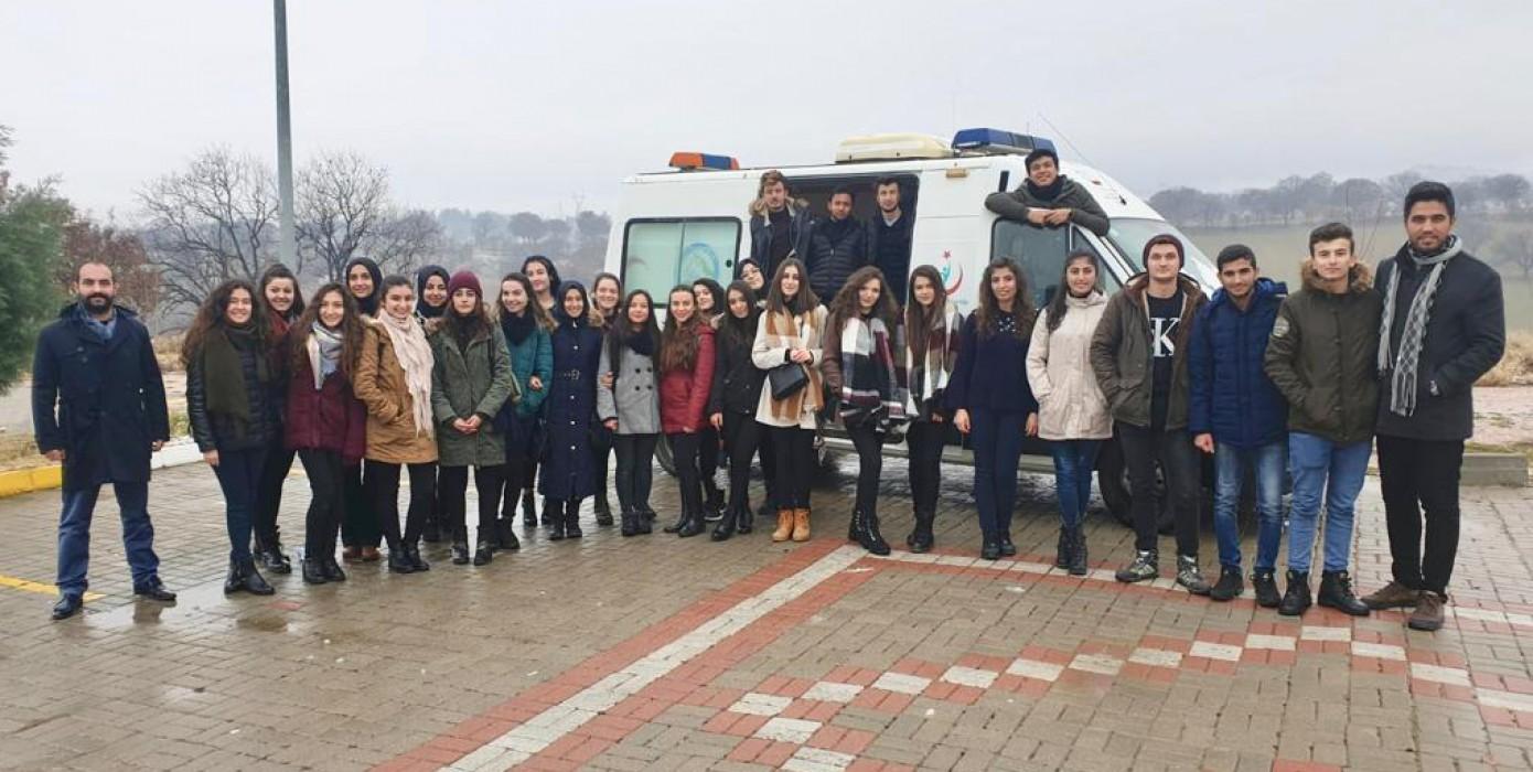 Paramedik Öğrencilerimize Tam Donanımlı Ambulans