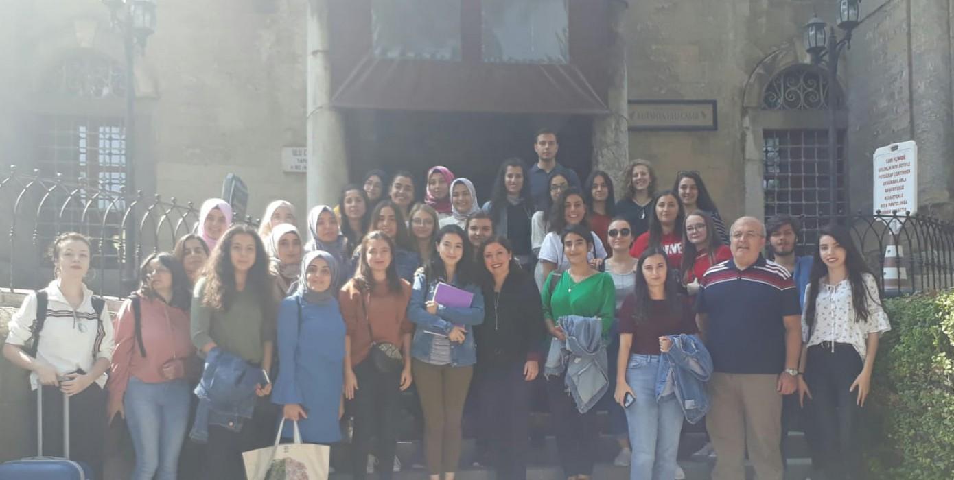 Sosyokültürel Etkinlikler Dersinin İlki Ders Koordinatörü Doç. Dr. Sultan Güçlü ve Öğrenci İşleri Daire Başkanı Yaşar Güneş Eşliğinde Gerçekleştirildi.