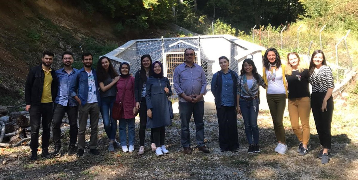 Halk Sağlığı Anabilim Dalı Öğretim Üyelerimiz ve Öğrencilerimiz Domaniç'te Ambalajlı Su Üretim Tesisini Ziyaret Etti