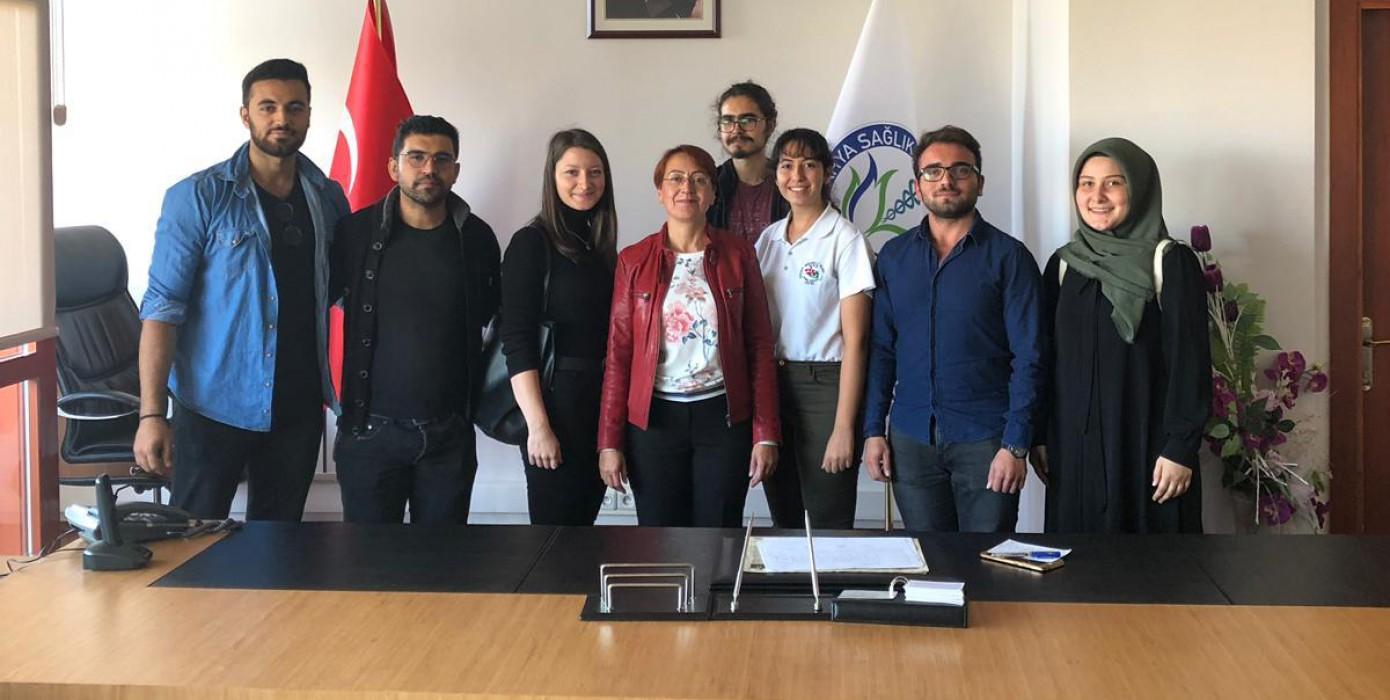 Fakültemiz Sınıf Temsilcileri Dekanımız Prof.dr. Duygu Perçin Renders'e Nezaket Ziyaretinde Bulundular.