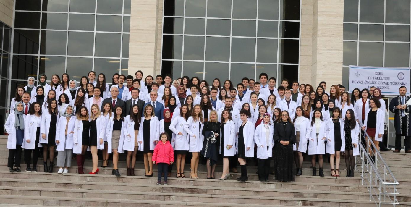 Tıp Fakültemizin Beyaz Önlük Giyme Töreni Gerçekleşti